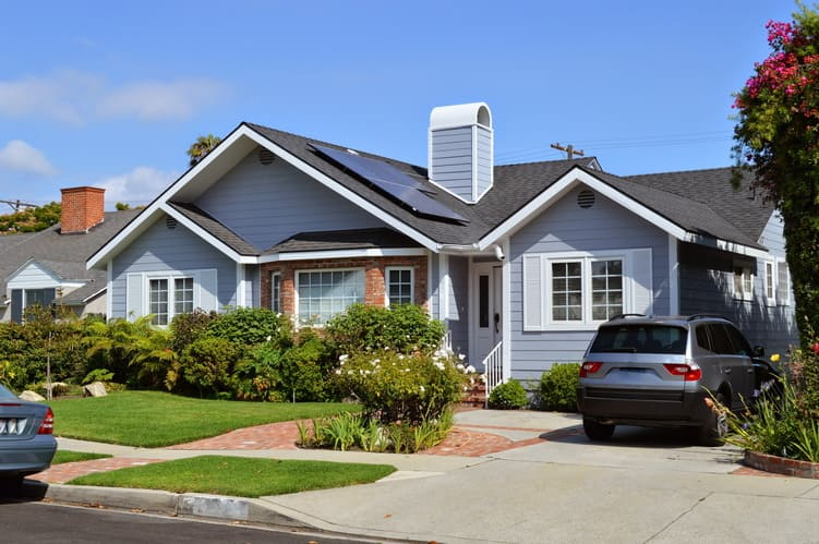 Tips for Selling a Home in the Summer